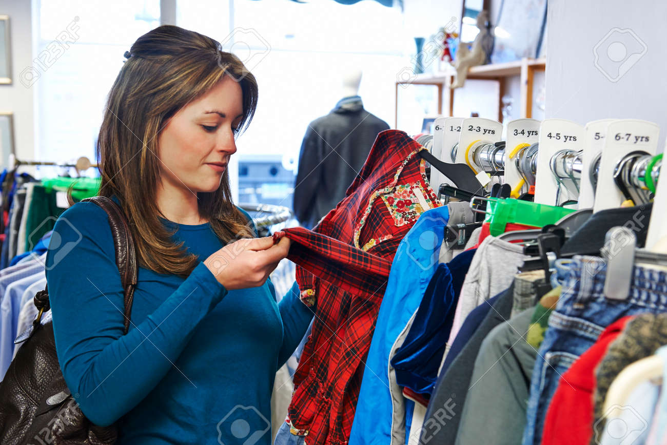 2d4f0a3067aa Mujer Comprar ropa de los niños en la Caridad Tienda