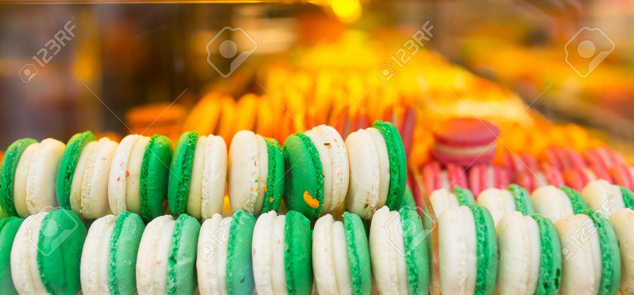 マカロンおいしい甘い食べ物 カラフルな deseart ビスケット