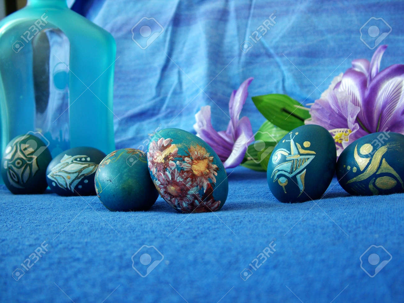 Beautiful painted easter eggs on a colorful background Stock Photo - 15880970