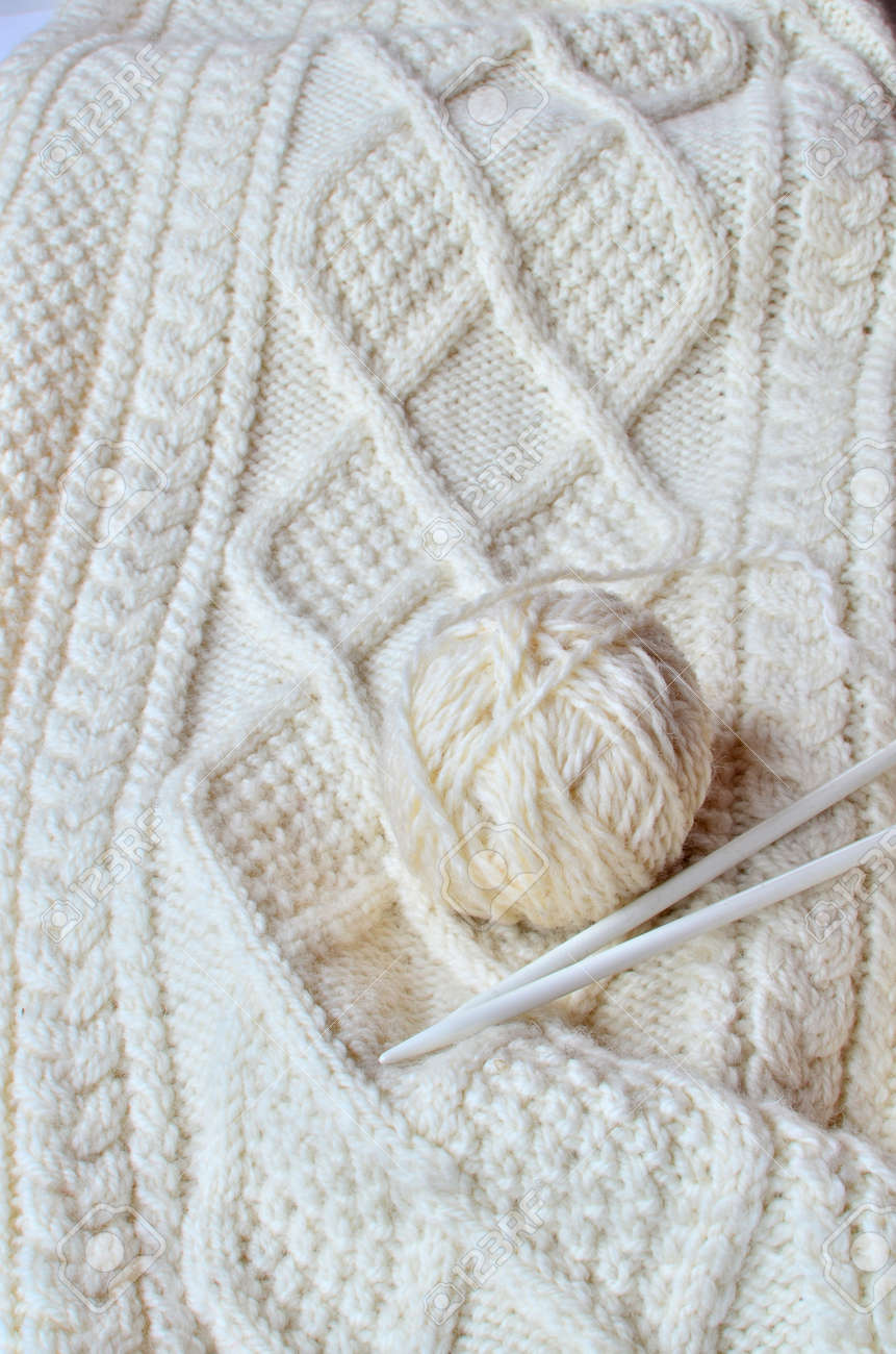 Irish Cable Knitting Pattern Stock Photo Picture And Royalty Free