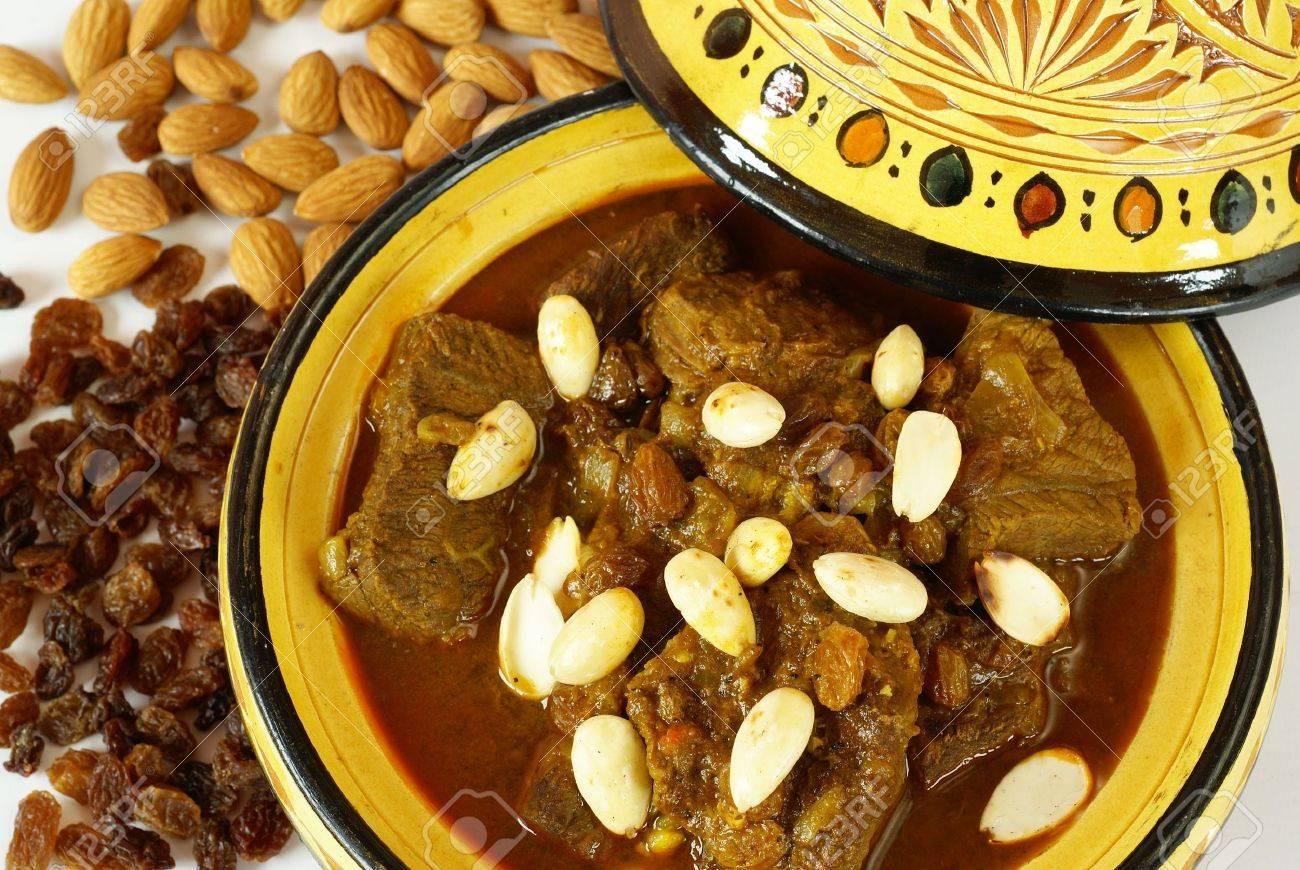 Mrouzia moroccan tagine with raisins almonds and honey stock mrouzia moroccan tagine with raisins almonds and honey stock photo 14874455 forumfinder Gallery
