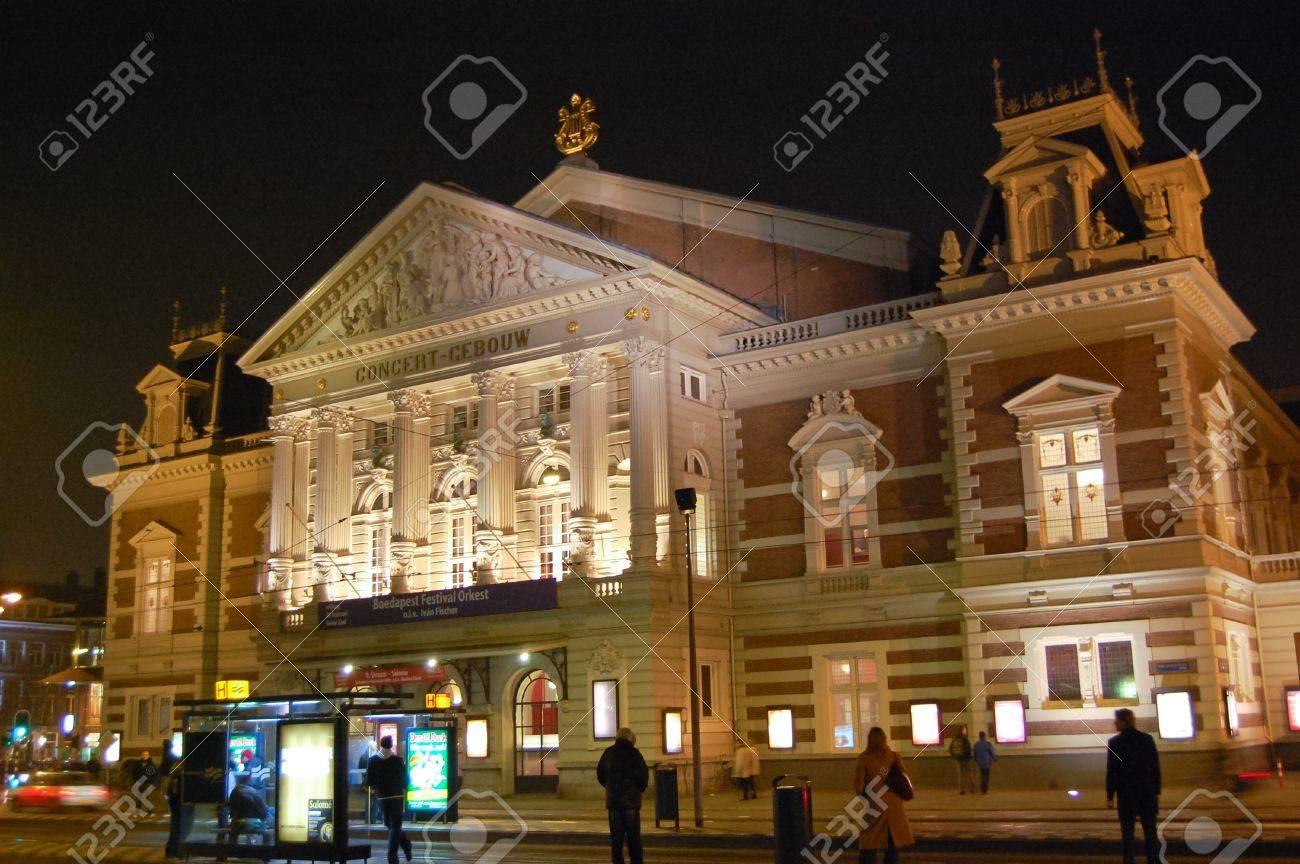 Concertgebouw - Amsterdam, Netherlands Standard-Bild - 9559998