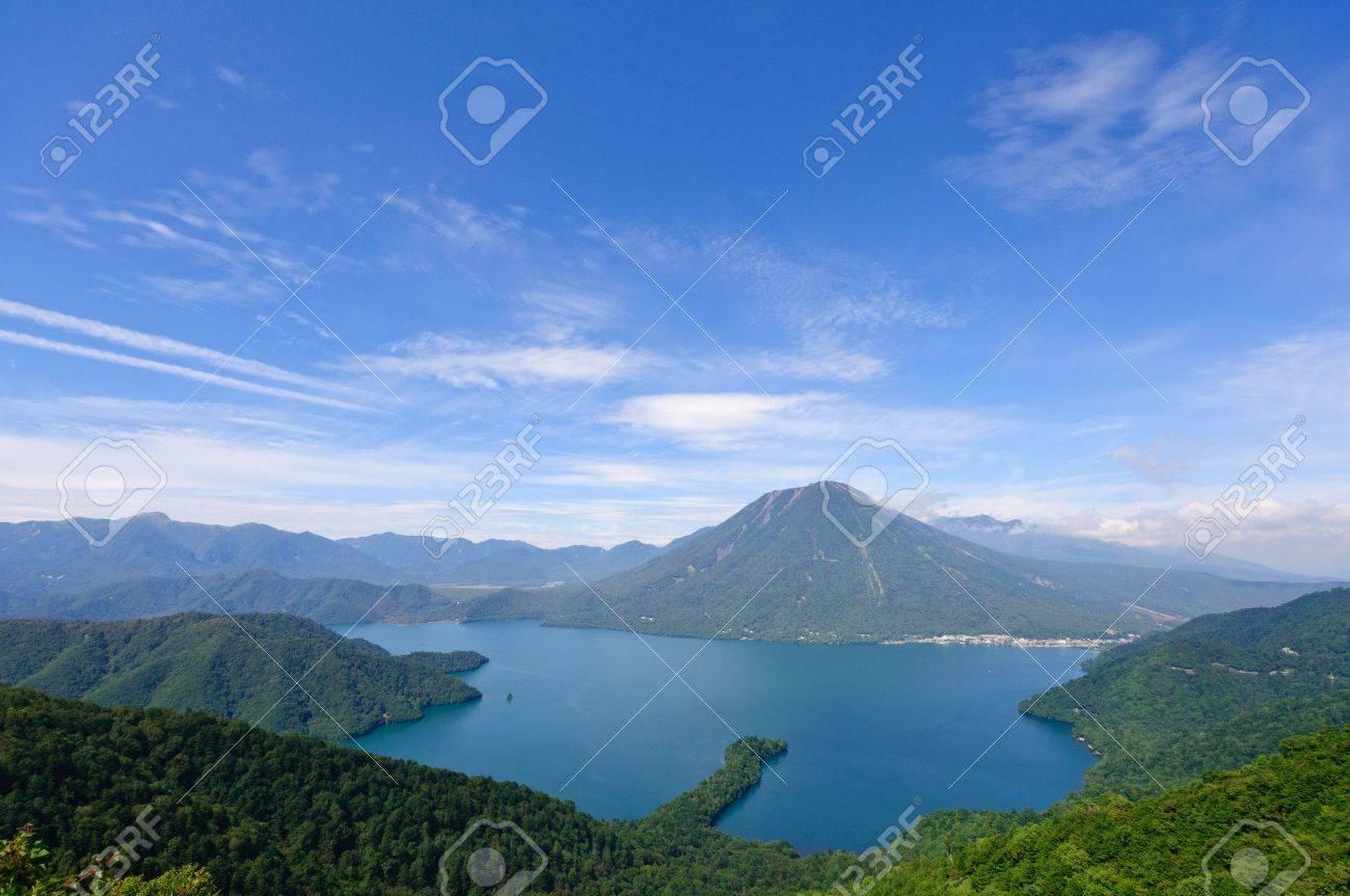 Lake Chuzenji und Mt.Nantai in Nikko, Japan Standard-Bild - 10801491