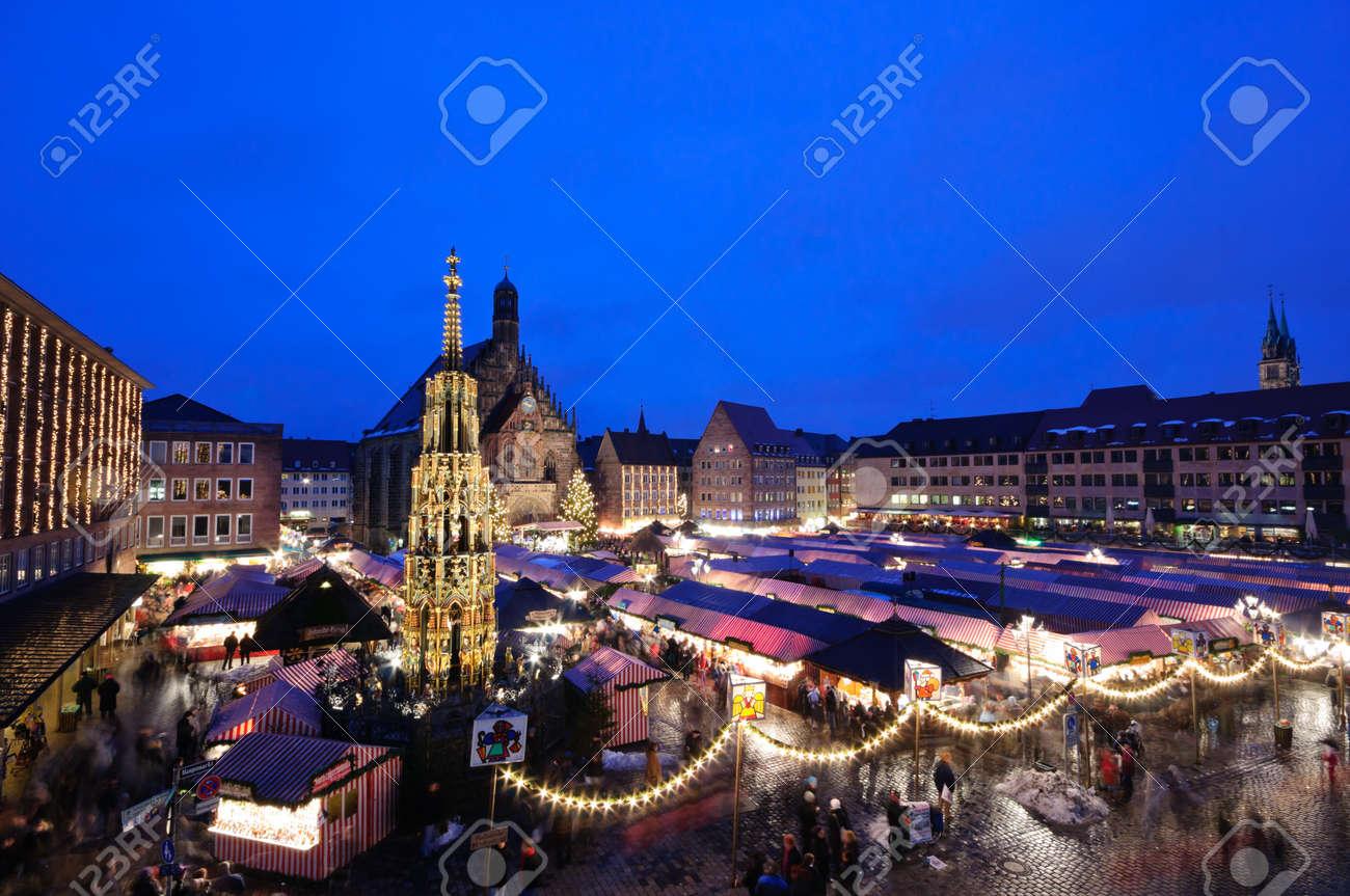 Christkindlesmarkt in Nuremberg, Germany Standard-Bild - 11165864