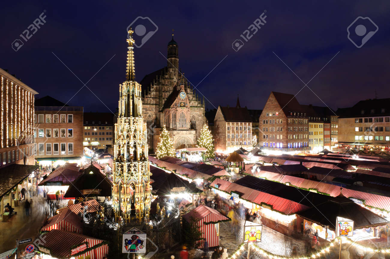 Christkindlesmarkt in Nuremberg, Germany Standard-Bild - 11165863