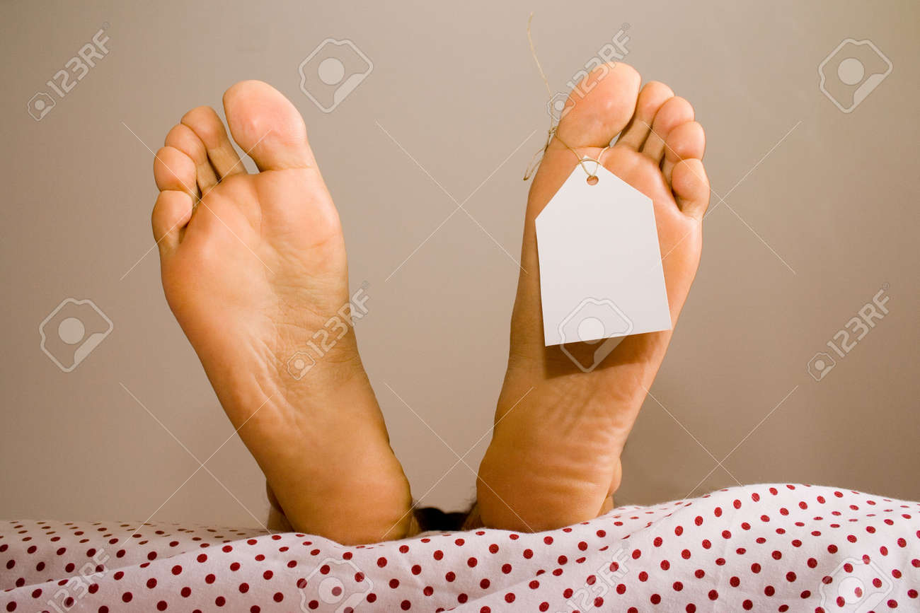 dead foots with a white tag in a bed Stock Photo - 788123