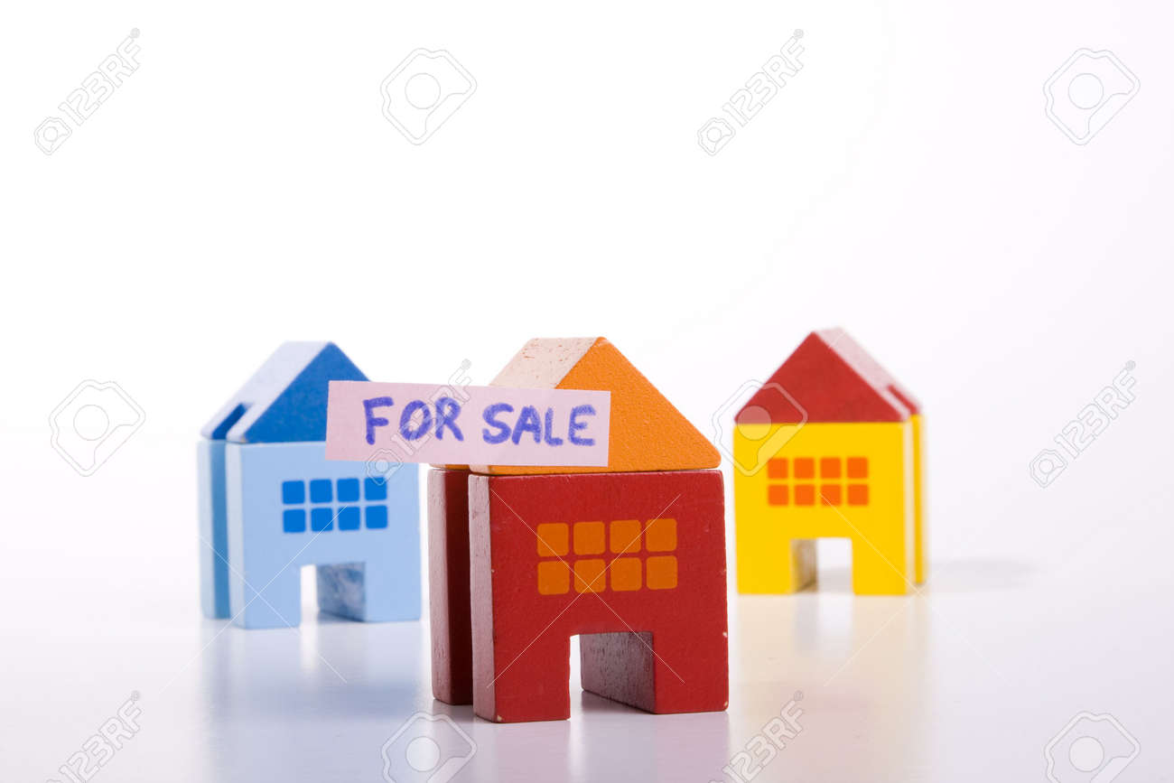 choose your best deal, buying one of this houses Stock Photo - 3092109