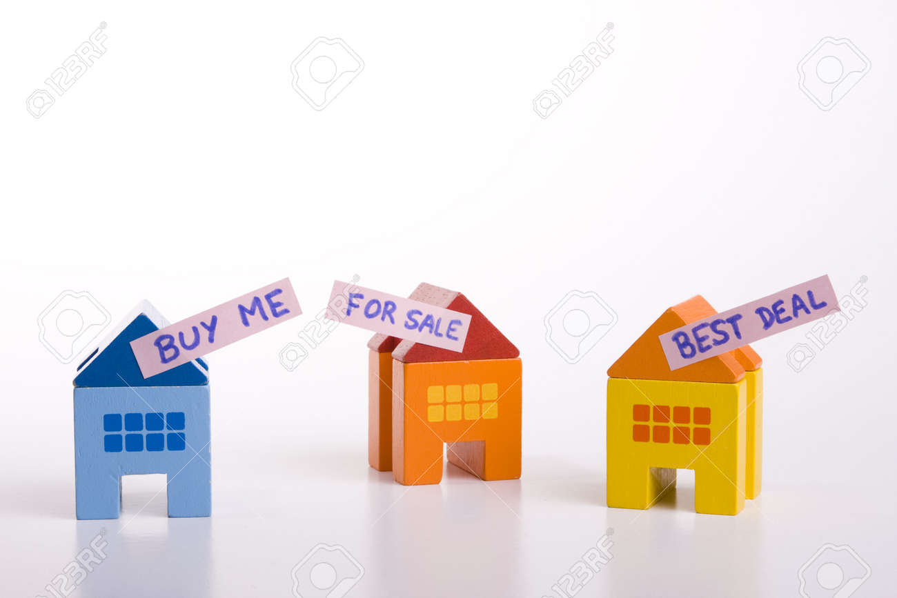 choose your best deal, buying one of this houses Stock Photo - 3118693