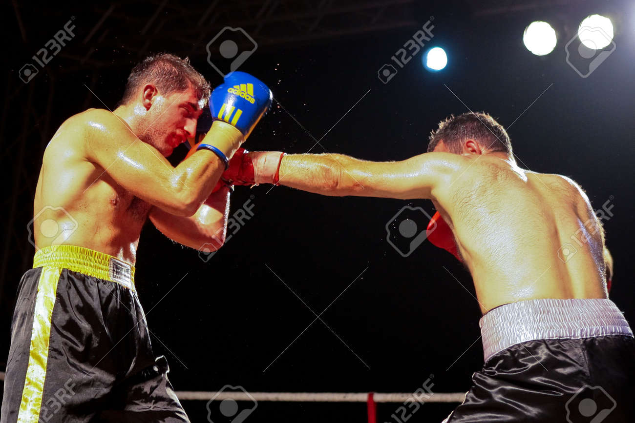VIENNA, AUSTRIA - OCTOBER 3 Charity Boxing:  Chussein Dombaev (right, Austria) beats Michael Tomko (left, Slovakia) in a  super middelweight fight on October 3, 2009 in Vienna,  Austria. Stock Photo - 8461539