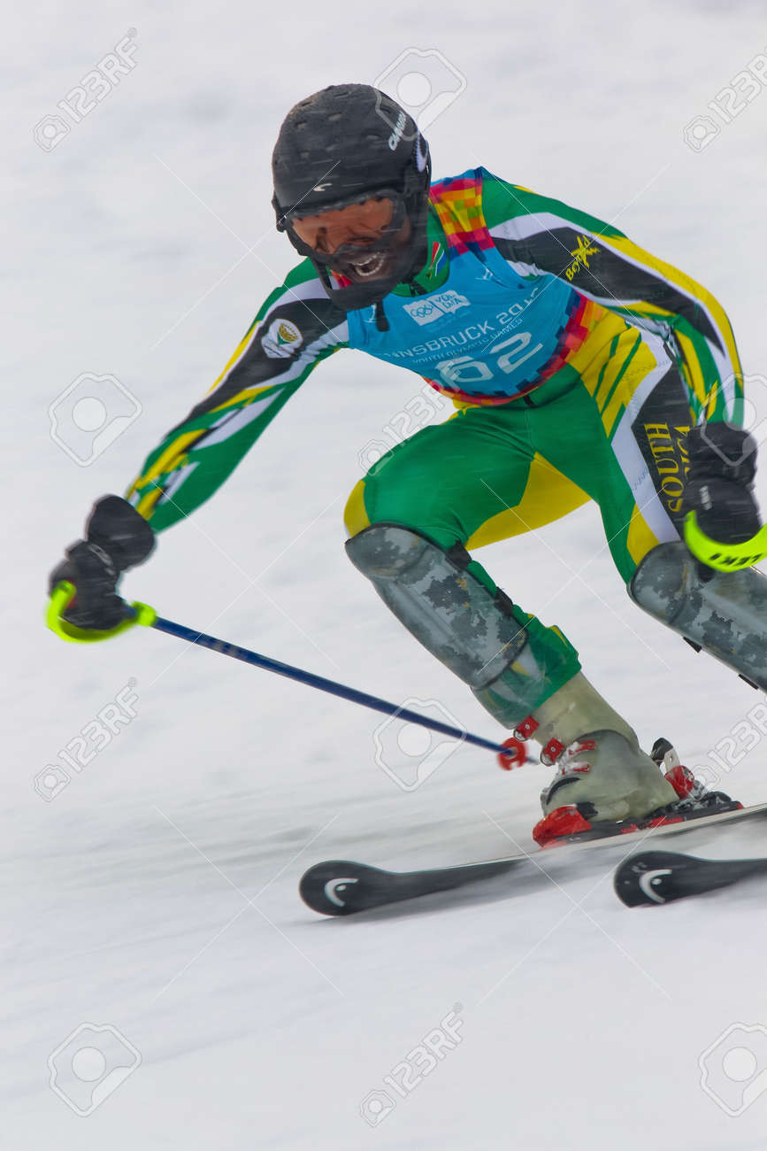 12159760-PATSCHERKOFEL-AUSTRIA-JANUARY-21-Sive-Speelman-South-Africa-competes-in-the-men-s-slalom-on-January--Stock-Photo.jpg