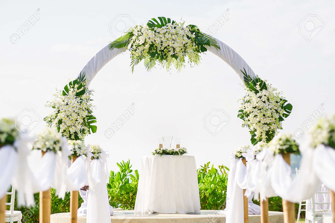 Simple Style Wedding Arch And Decoration, Venue, Setup On Tropical ...