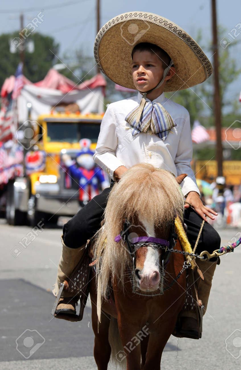 Ojai, CA - JULY 3 : Annual 4th of July parade in Ojai one day early this year July 3, 2010 in Ojai, CA.  Stock Photo - 7308098