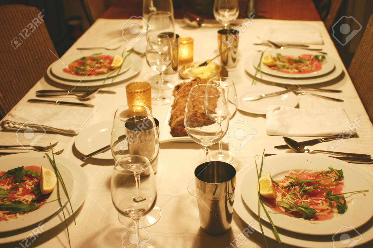 intimate dinnerparty Stock Photo - 974087