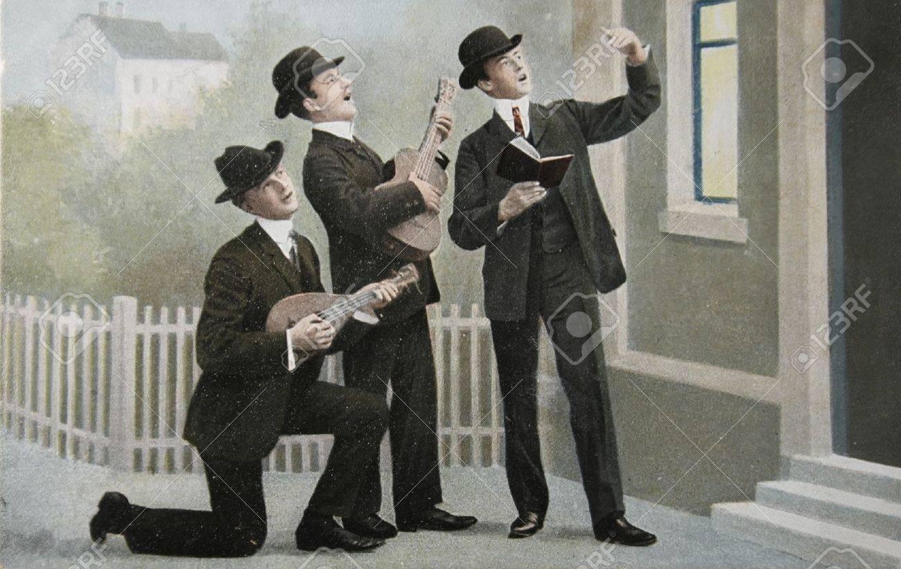 音楽を作る 3 つの男性との 1905...