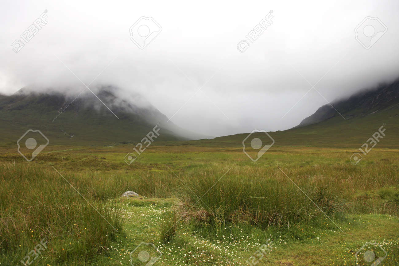 Foggy day in the Scottish higlands Stock Photo - 11261239