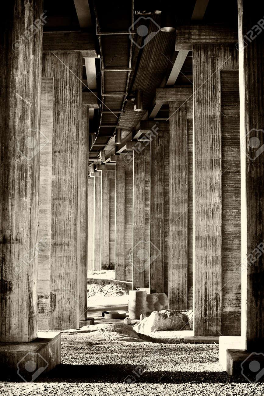 Classical segmental bridge from below in vintage style - 158609167