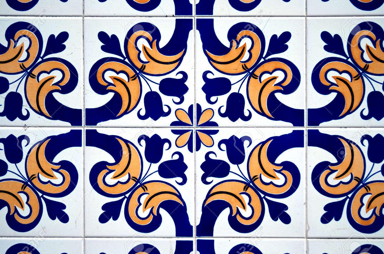 Bunte Jahrgang Spanischen Stil Fliesen Wand Dekoration. Standard Bild    9787067