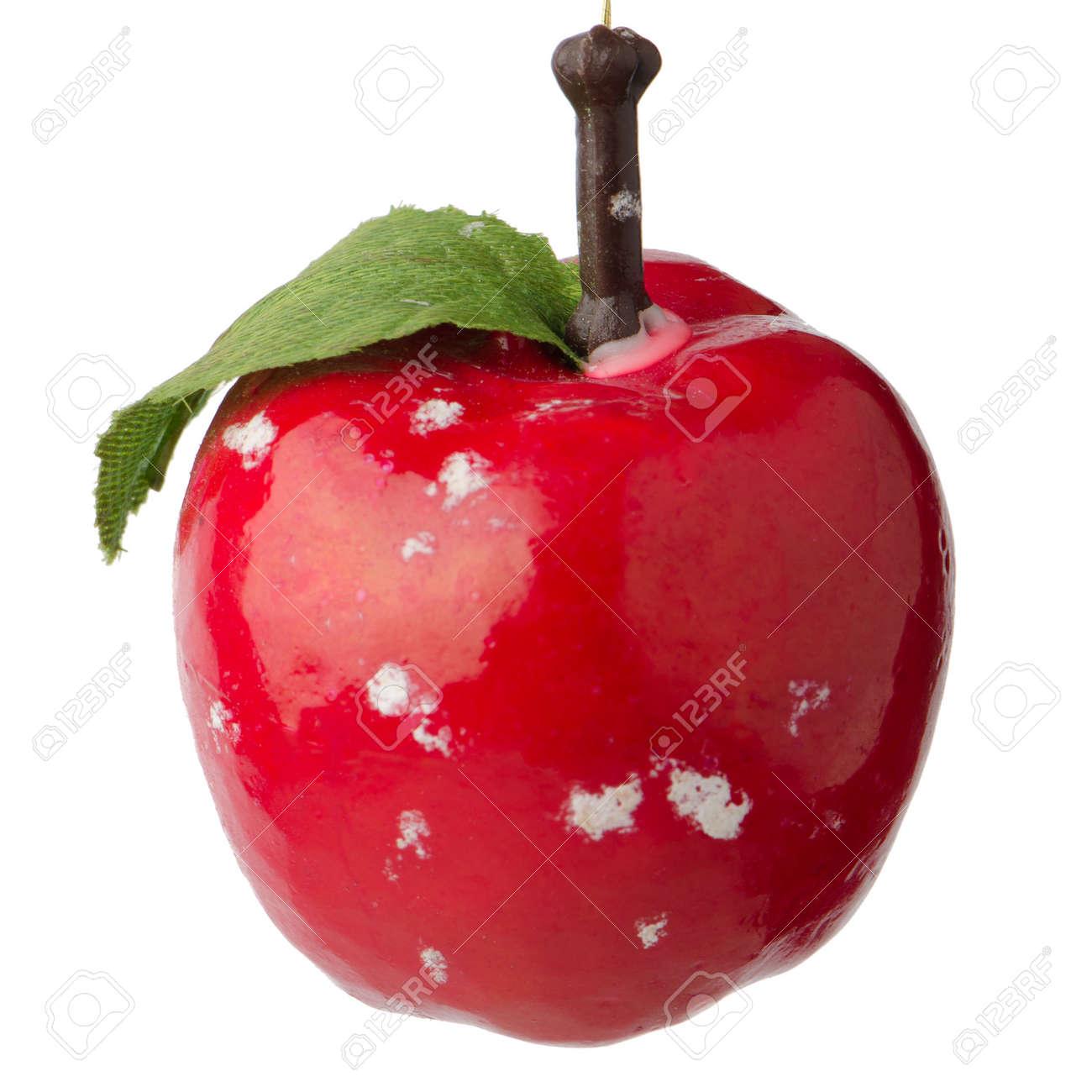 Boule De Noël Rouge Pendaison Décoration Pomme Isolé Sur Fond Blanc on