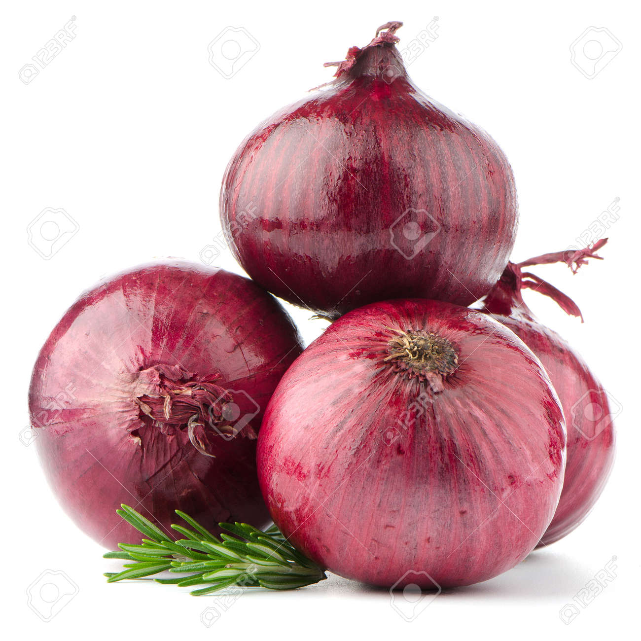 Red onions isolated on white background - 20823294