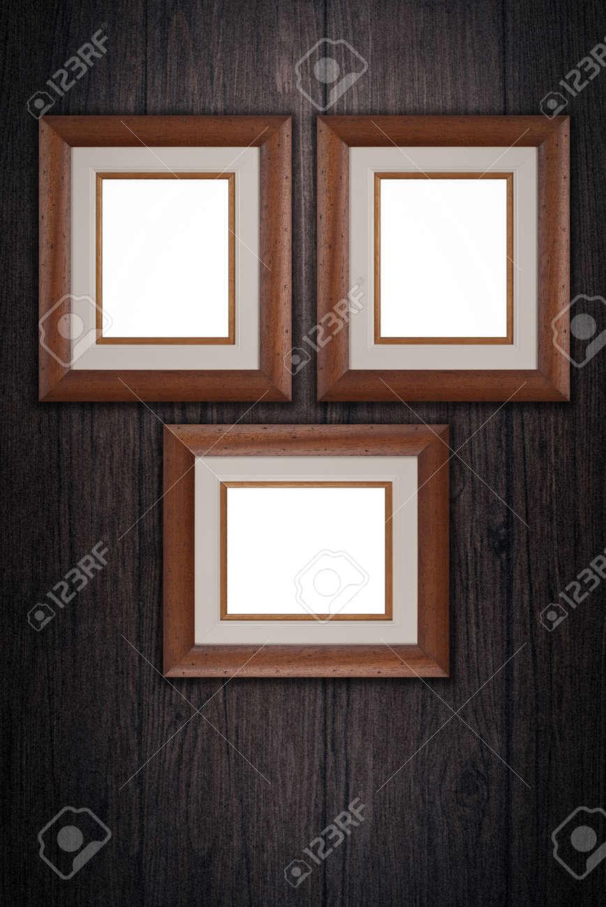 Old Bilderrahmen Auf Vintage Holz Wand. Lizenzfreie Fotos, Bilder ...