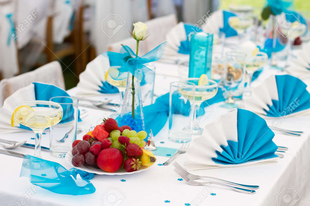 Luxury wedding lunch table setting outdoors in white-blue colors Stock Photo - 14264903 & Luxury Wedding Lunch Table Setting Outdoors In White-blue Colors ...