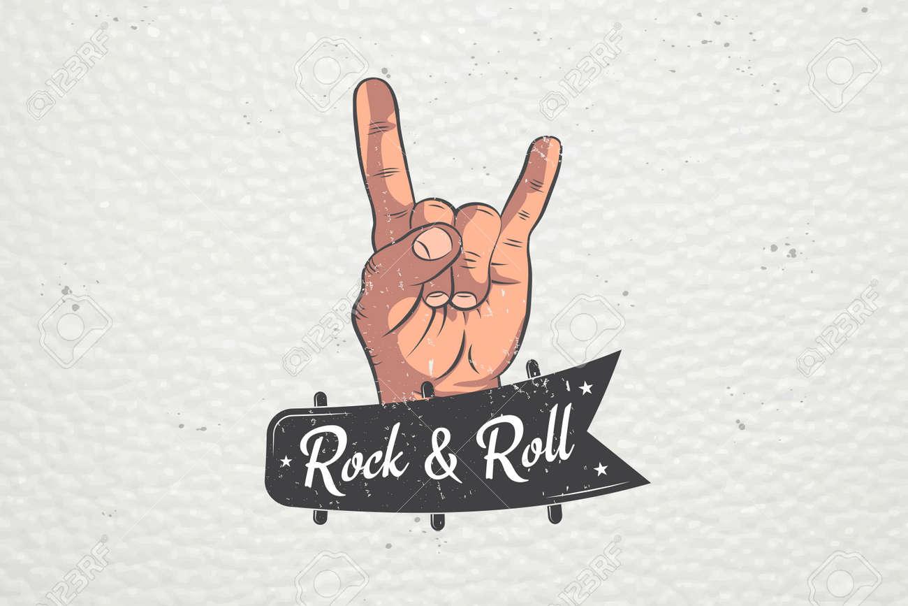 Signe à La Main Réaliste Rock And Roll Rock Main Humaine étiquettes Typographiques Autocollants Logos Et Badges Illustration Vectorielle Plate