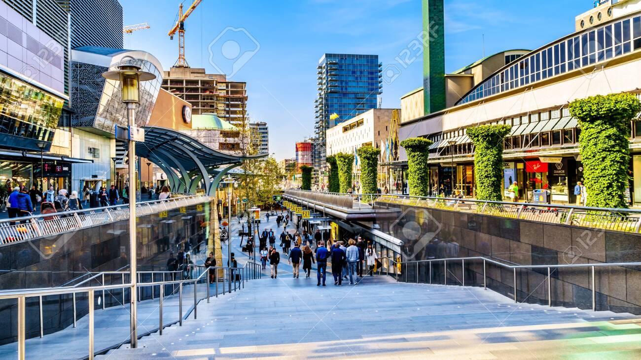 Rotterdam / The Netherlands - Sept  26, 2018: Beursplein shopping