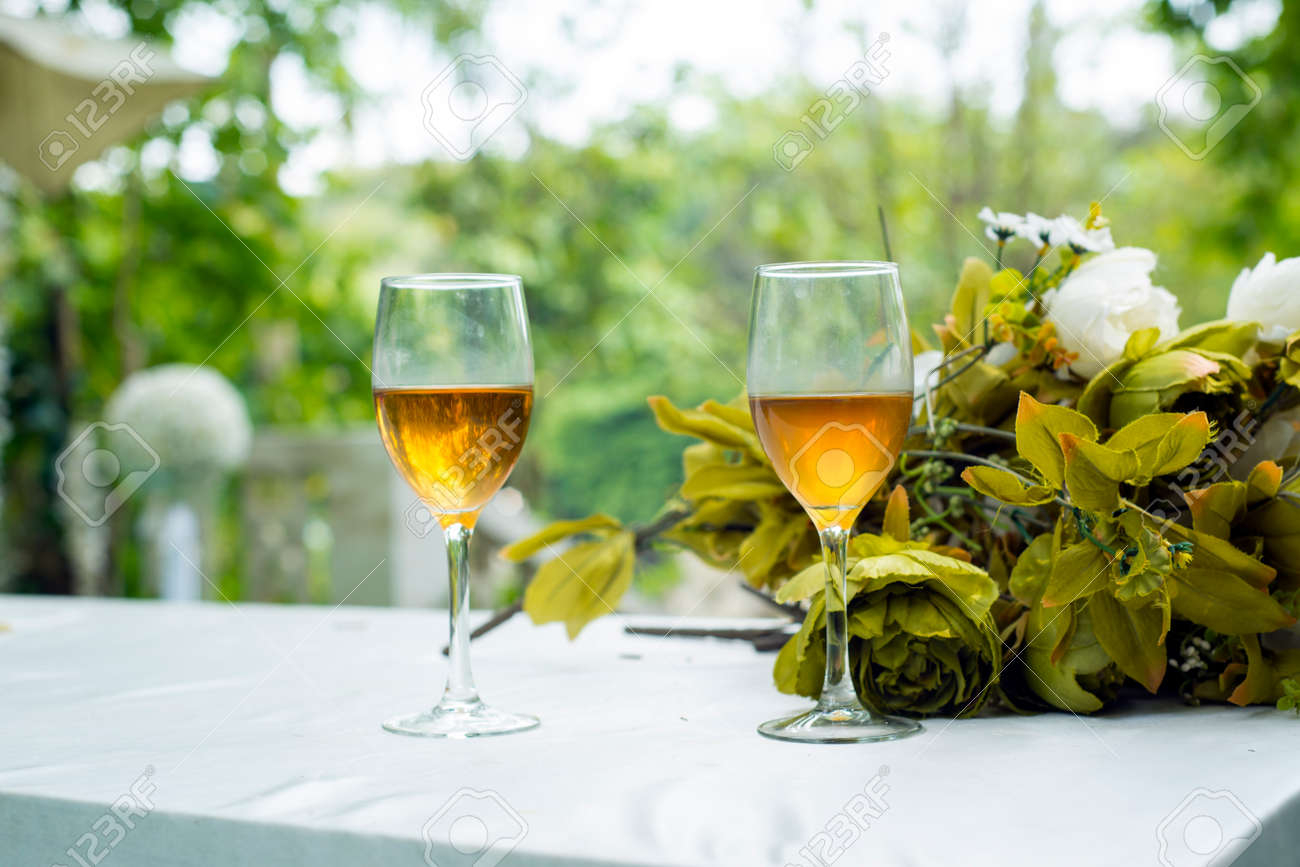 Alkohol, Getränke, Grün, Braun, Champagner Lizenzfreie Fotos, Bilder ...