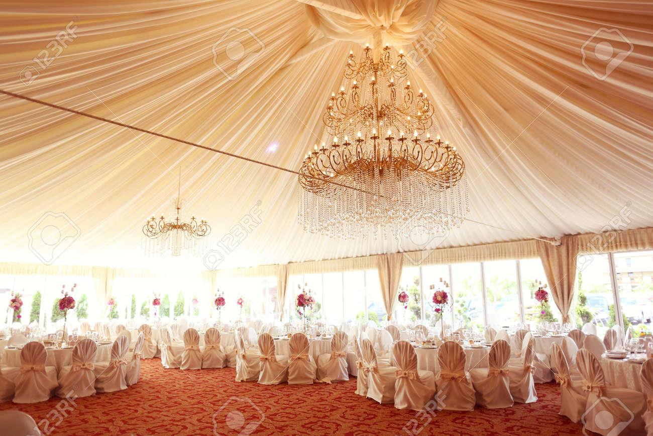 Schon Dekoriert Hochzeitstische Lizenzfreie Fotos Bilder Und Stock