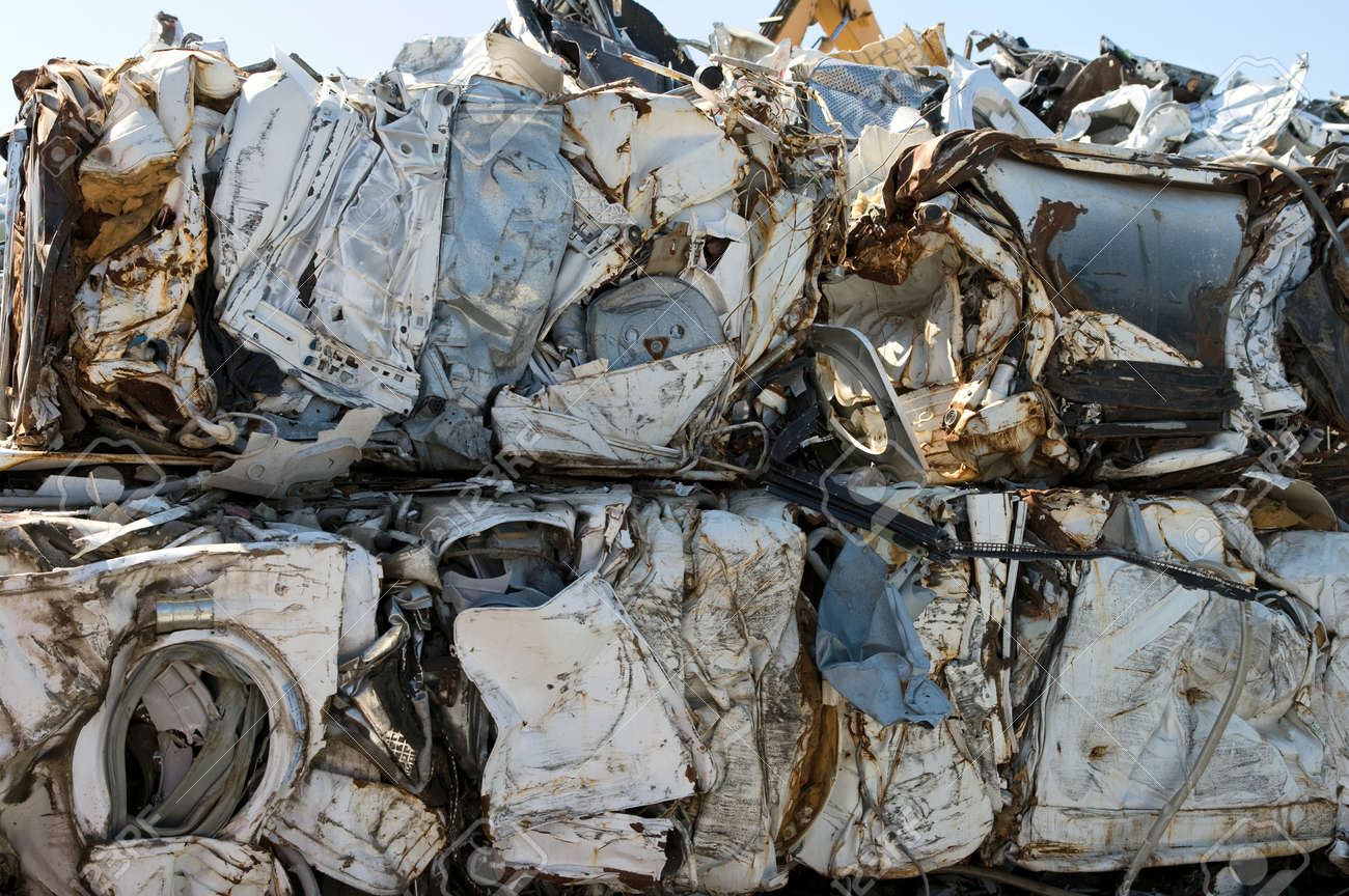 Crushed washing machines for metal recycling - 24960229