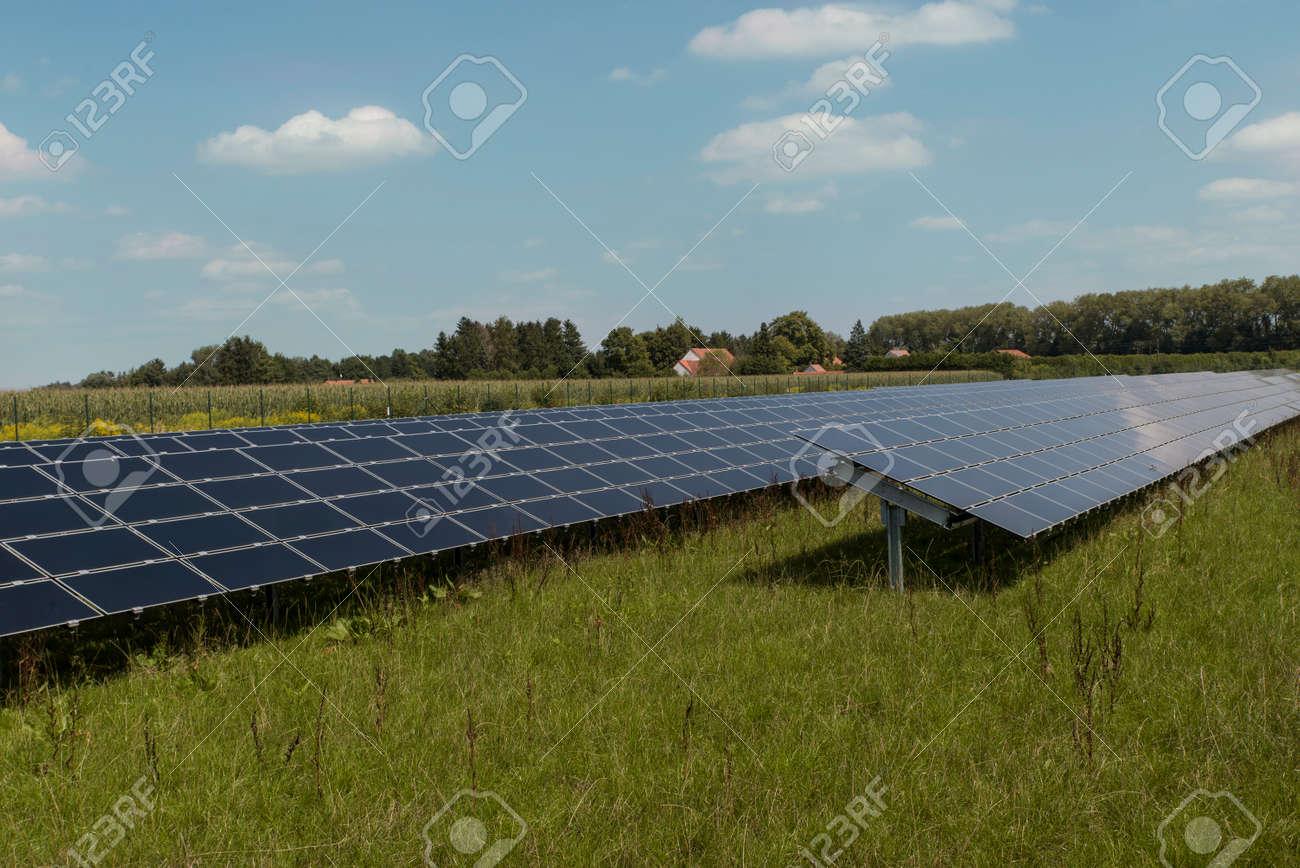 Solaranlagen München freifeld solaranlage in der nähe münchen lizenzfreie fotos