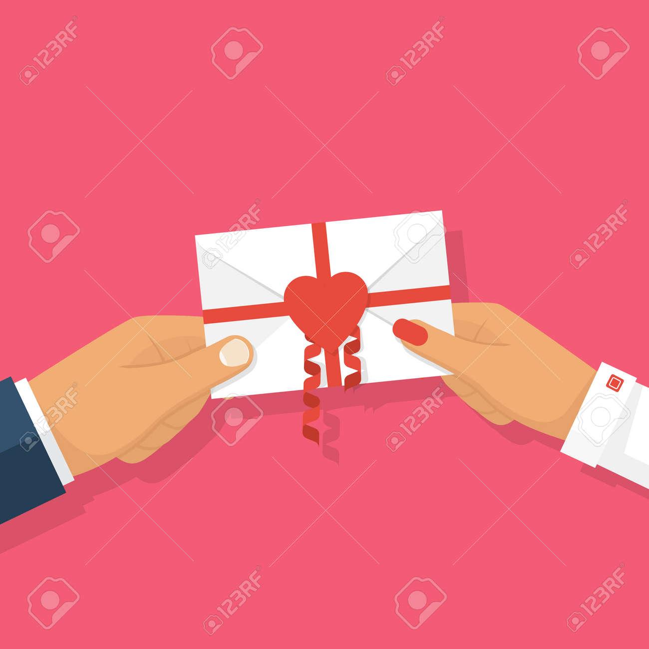 Decorazioni Lettere D Amore l'uomo dà lettera d'amore nelle mani della donna. lettera decorato con  nastri e cuore rosso, simbolo di amore. il riconoscimento del modello di  amore,