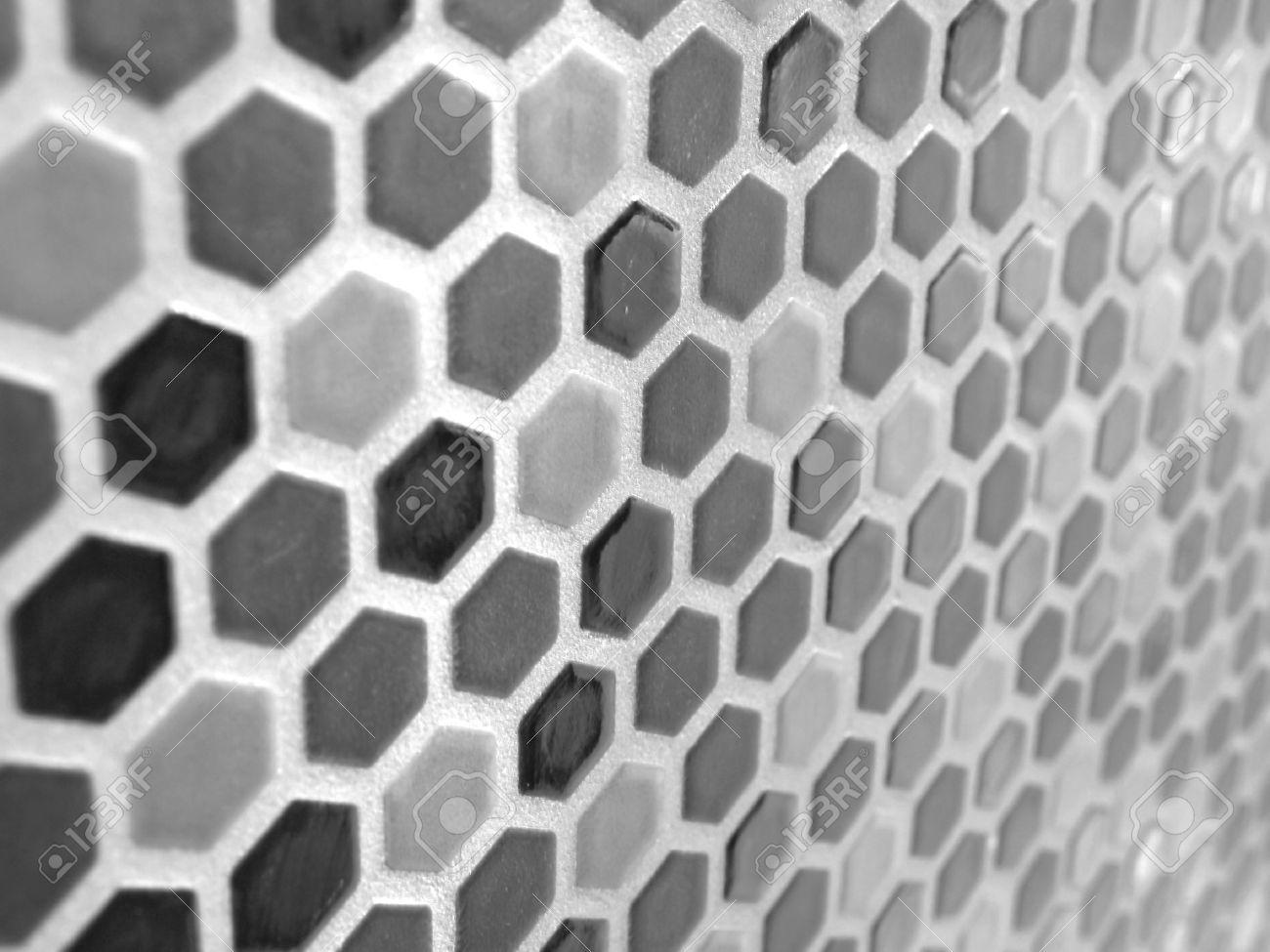 Schwarz weiß hexagon mosaik fliesen wand oder hintergrund ...