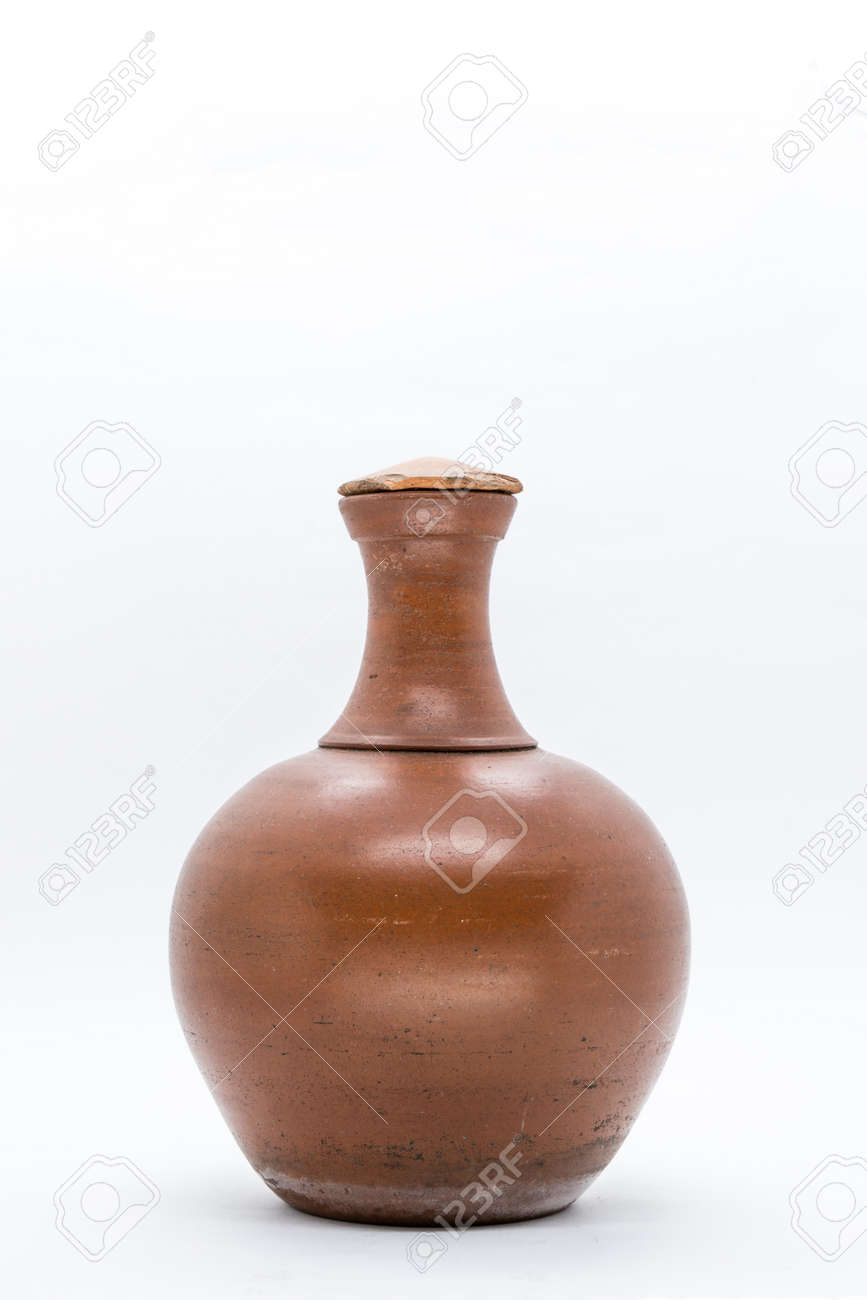 Water clay pot isolated - 119223616