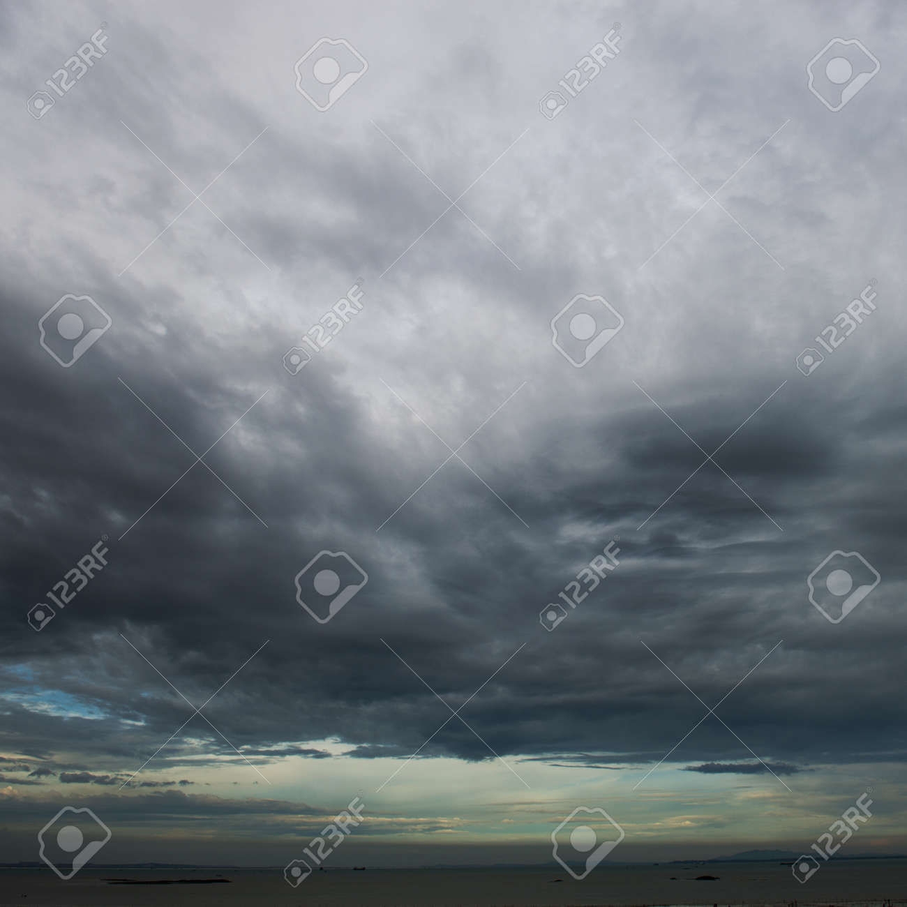 Background of dark clouds before a thunder-storm Stock Photo - 24936394