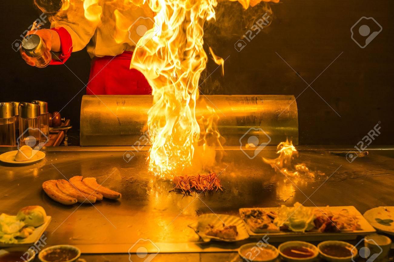 Chef preparing teppanyaki - 35899477