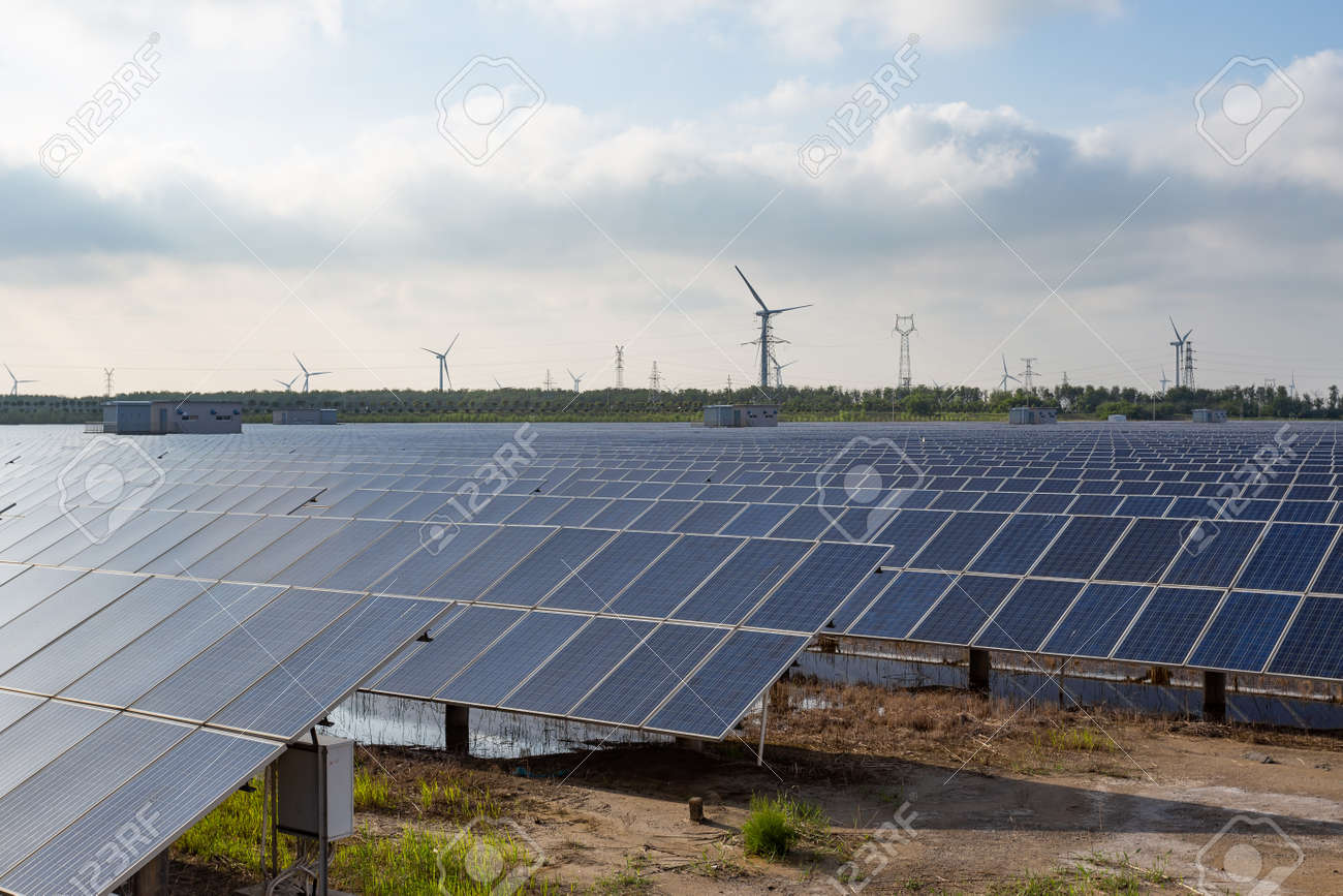 Power plant using renewable solar energy with sun - 125659384