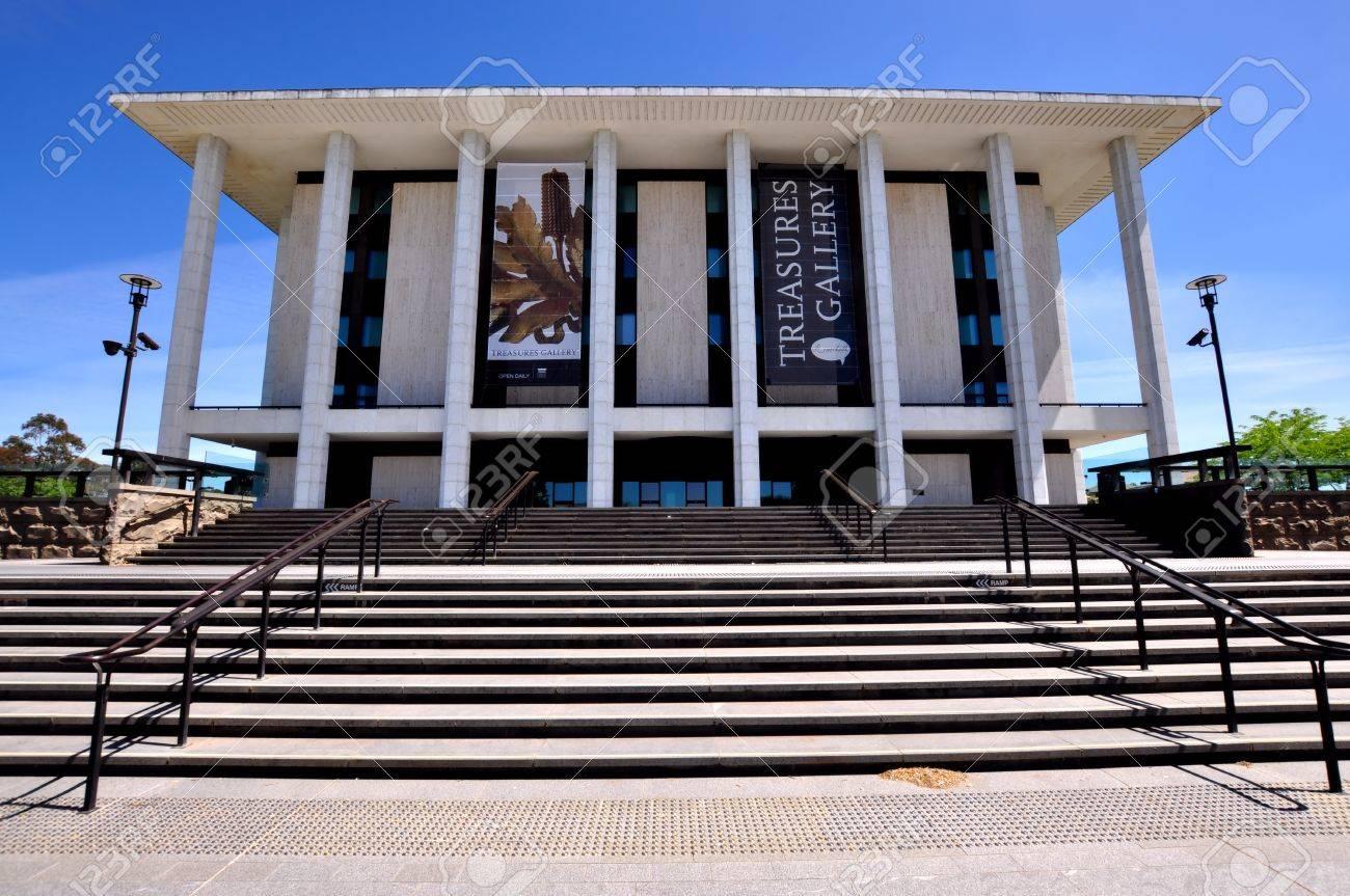 キャンベラのオーストラリア国立図書館 の写真素材・画像素材 Image ...