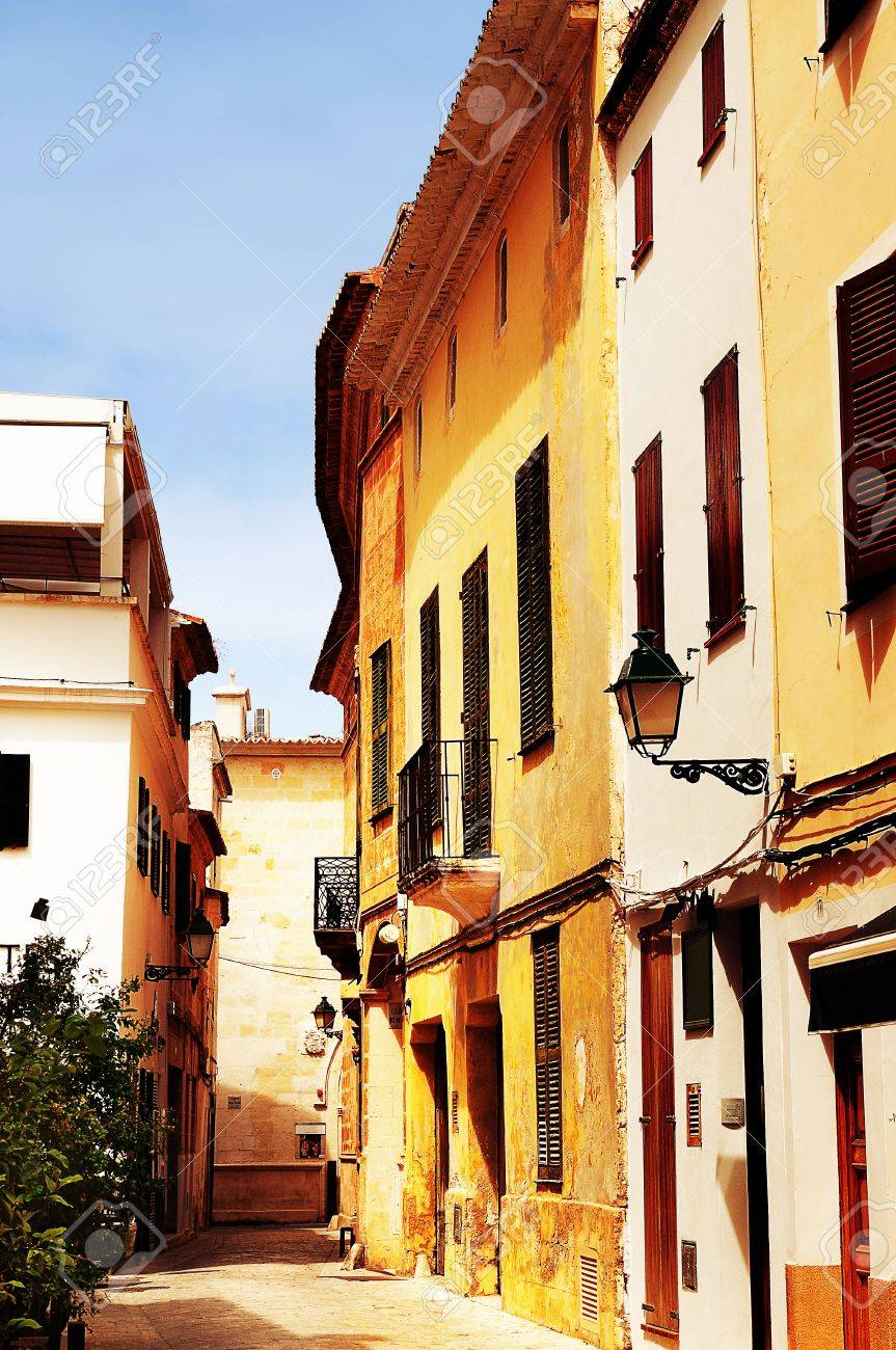 spanish street Stock Photo - 11062885