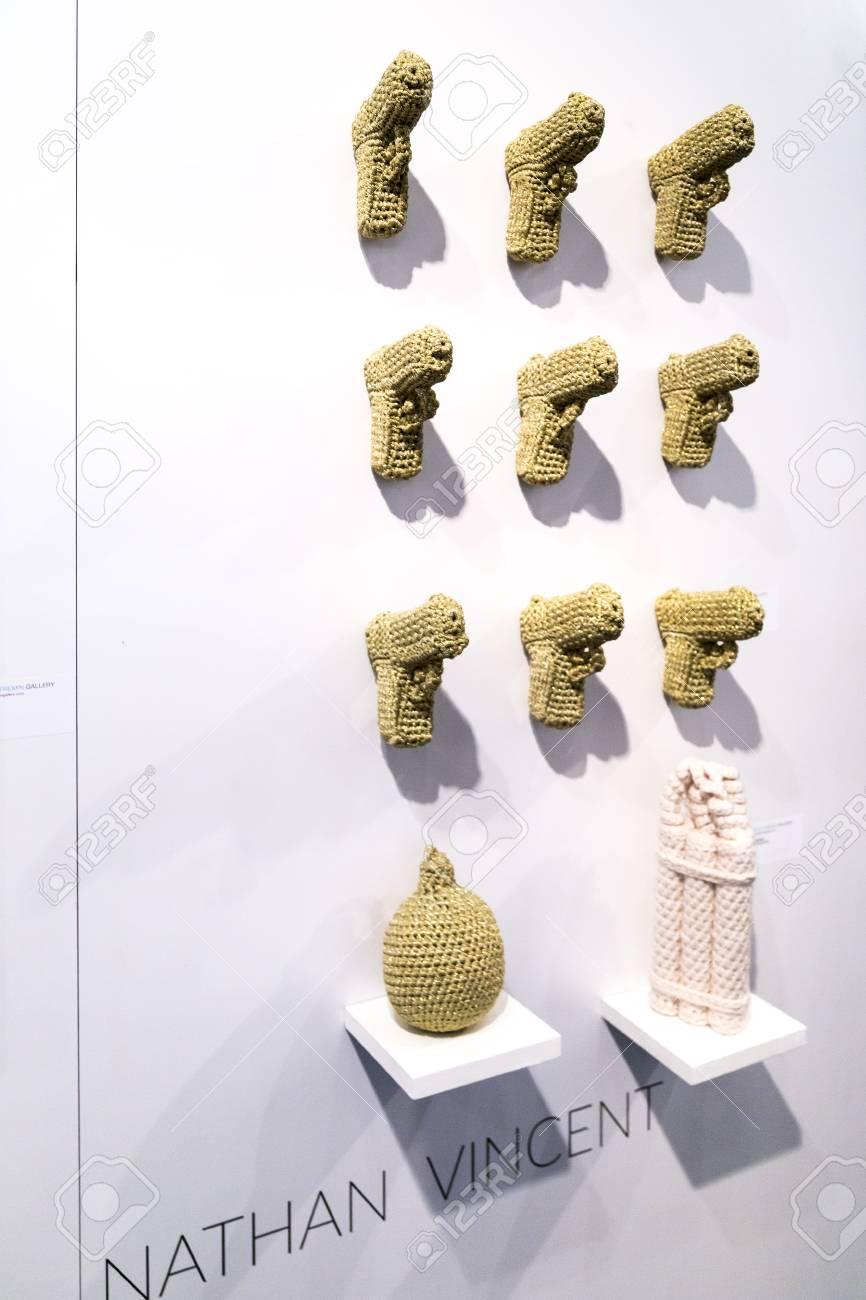 Istanbul, Turquie - 13 novembre 2015: Pièce d\'art à la 10ème édition du  salon annuel Contemporary Istanbul tenu au Centre des Congrès Lutfi Kirdar,  ...