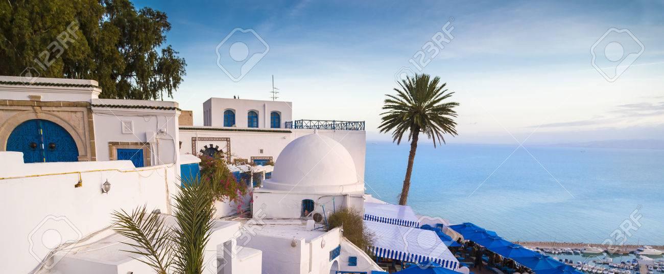 Mediterrane Architektur typische tunesische arabische mediterrane architektur in sidi bou