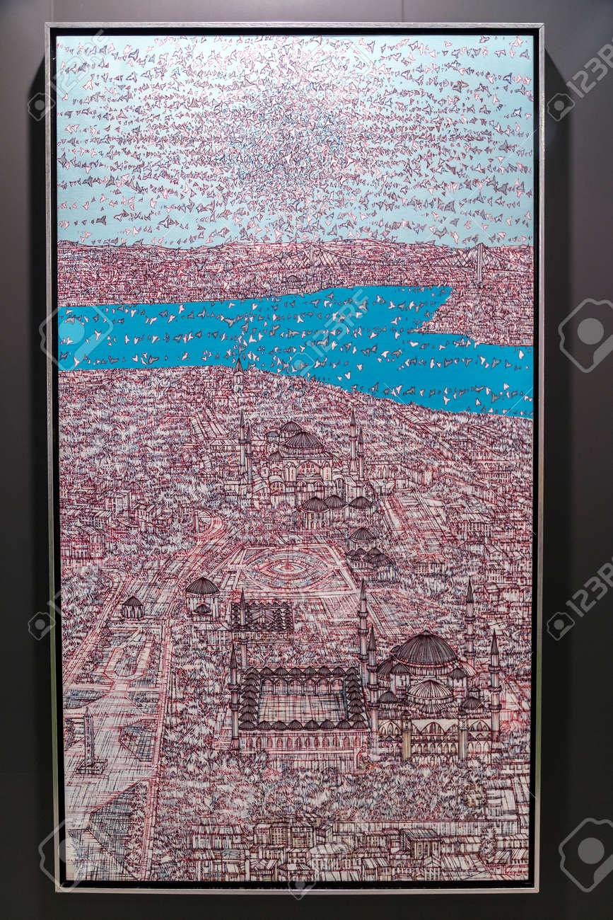 Istanbul, Turquie - 14 septembre 2017: Les ?uvres de Devrim Erbil exposées  dans la 12e édition du salon annuel d\'art contemporain d\'Istanbul qui se ...