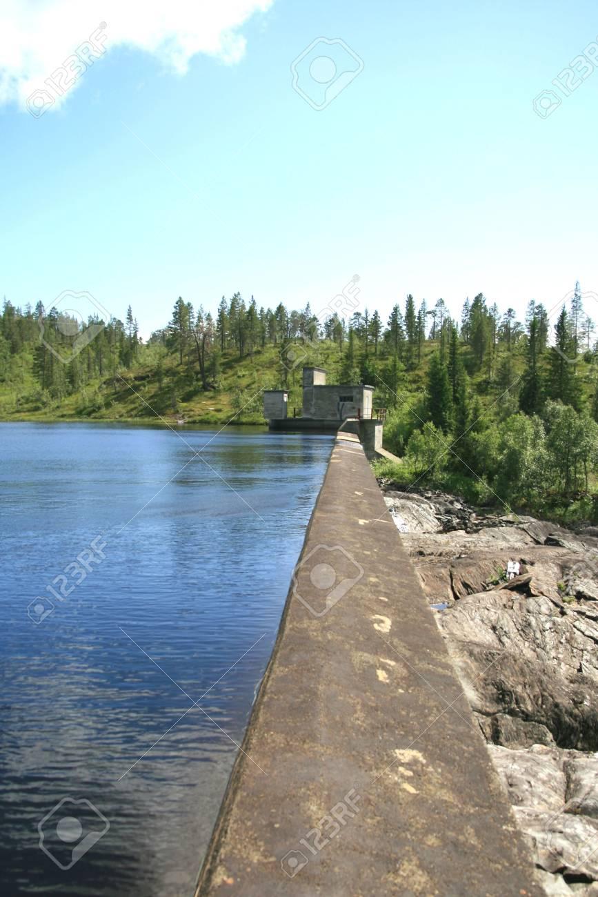 Old dam construction Stock Photo - 3276689