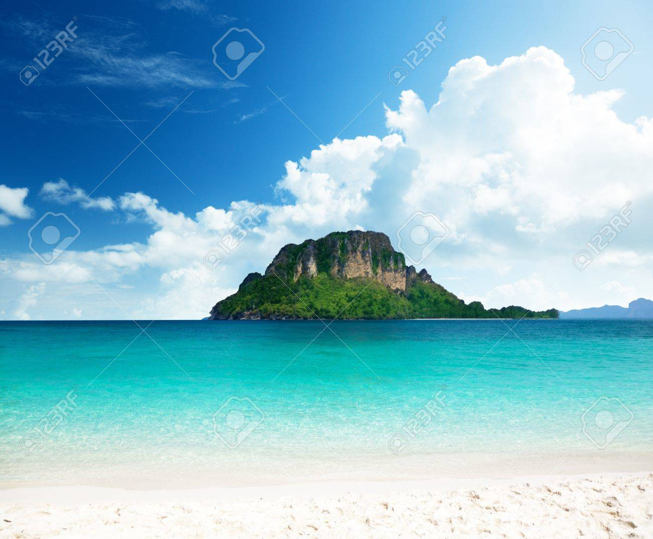 Poda island in Krabi Thailand Stock Photo - 9406436