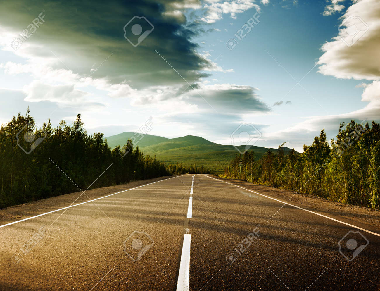 road in Russian mountains Stock Photo - 10329032