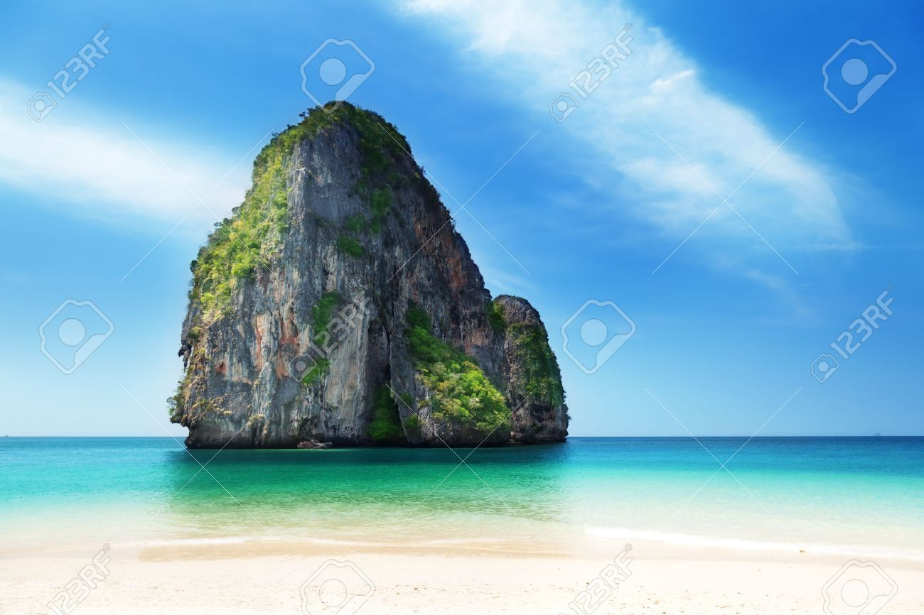 Railay beach in Krabi Thailand Stock Photo - 10439368