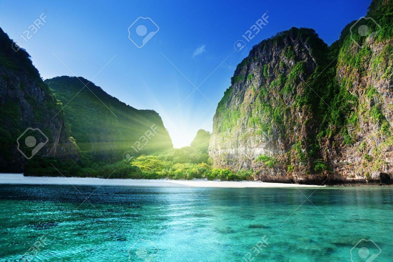 morning time at Maya bay, Phi Phi Leh island,Thailand - 17875254
