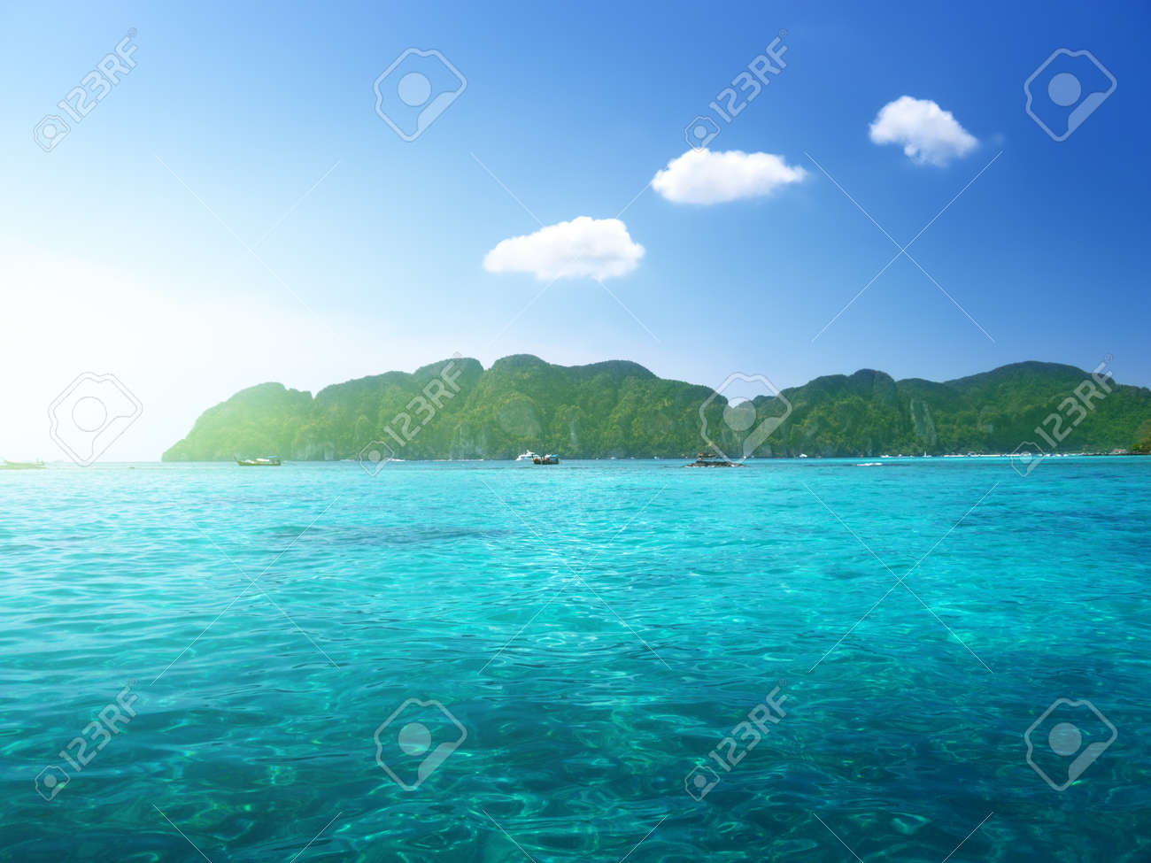 morning time at  Phi Phi island,Thailand Stock Photo - 18661608