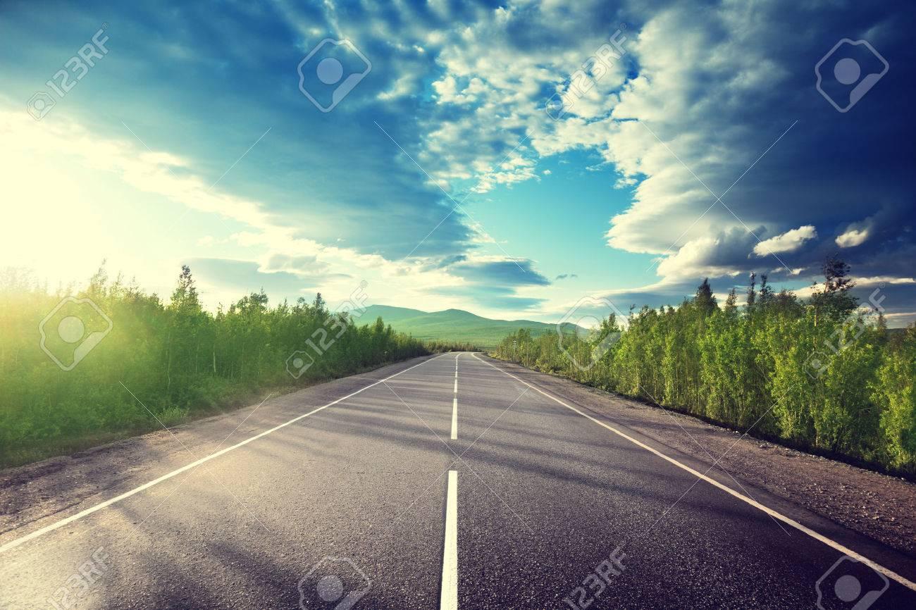 山の道 の写真素材・画像素材 Image 26577606.