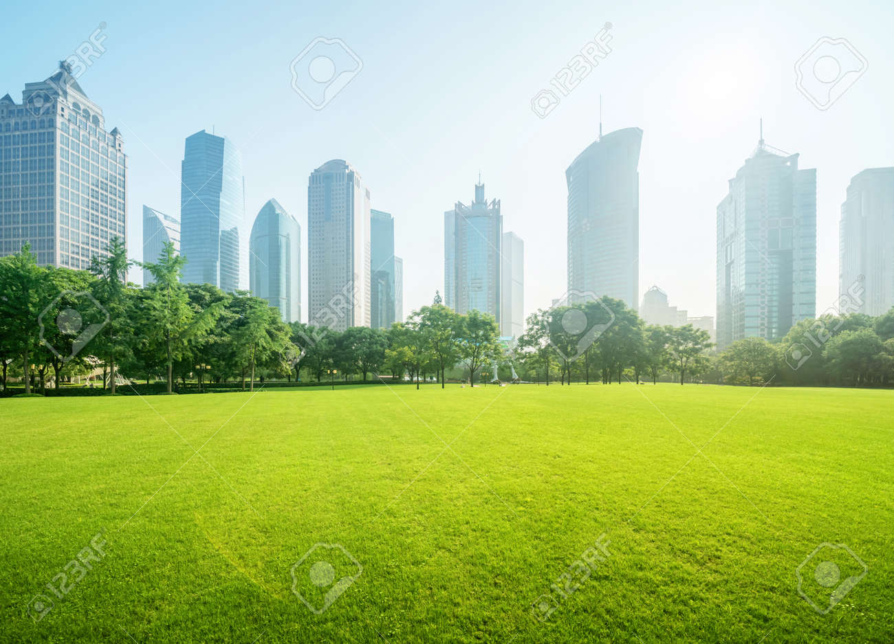 park in lujiazui financial centre, Shanghai, China - 147984455